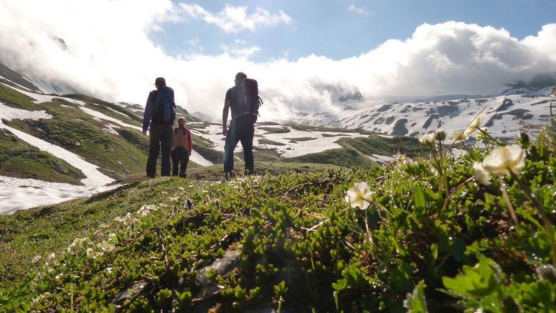 Walenstock peaks circular hike