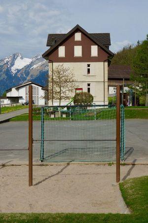 Playground Schulhaus (school), Obbürgen