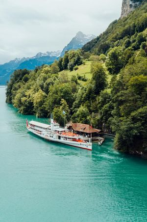 Cruises and excursions on Lake Lucerne