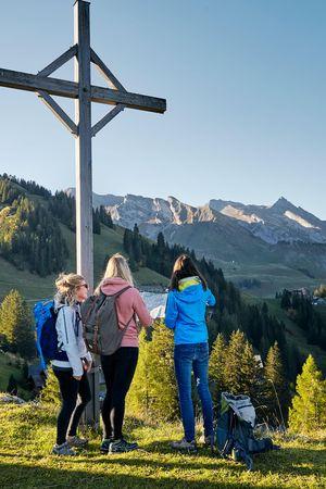 Book hiking holidays Nidwaldner Höhenweg