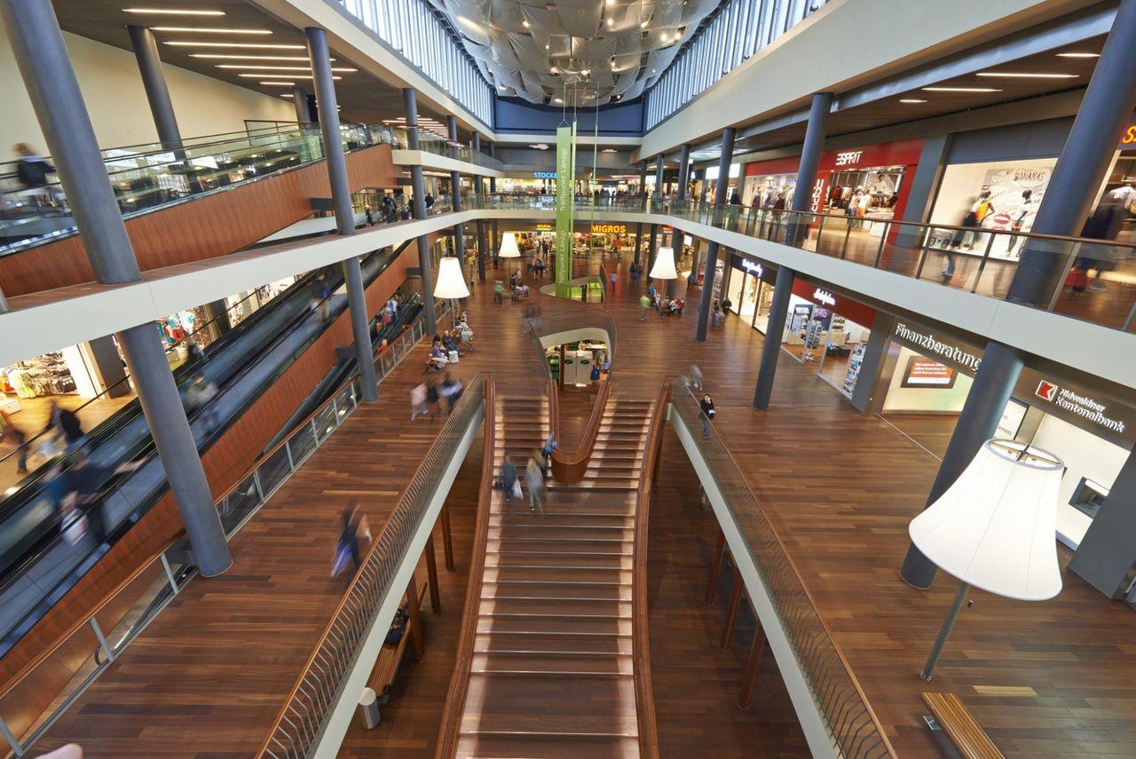 """Shoppingcenter """"Länderpark"""" Stans"""