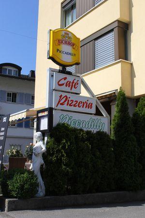 Café Pizzeria Piccadilly, Buochs