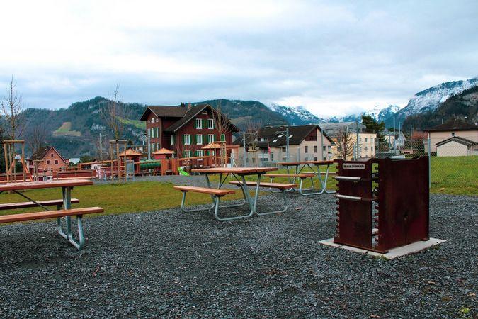Matt playground barbecue spot, Hergiswil