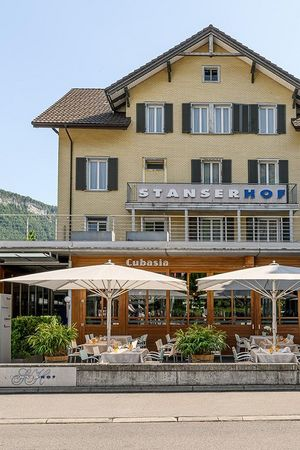 Hotel Stanserhof: Restaurant Cubasia, Stans